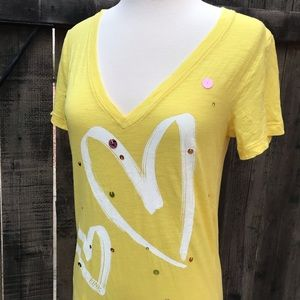 VS Pink Yellow V-neck Short Sleeve Shirt Hearts
